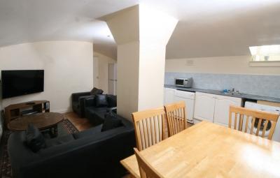 kitchen-lounge.